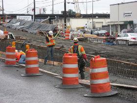 Realizacja już okrojonego planu budowy dróg nastręcza mnóstwa problemów (CC BY-NC SDOT Photos)