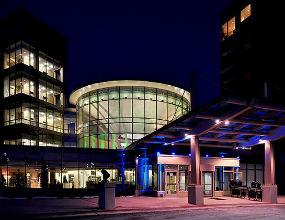 Nowoczesny szpital wymaga wielomilionowych inwestycji, których samorząd nie jest w stanie zapewnić. (CC By-ND James Jordan)