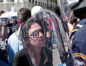 Strajki w Grecji już nikogo nie dziwią, ale w czasie wtorkowego strajku generalnego protestowali nawet aktorzy. (CC By-NC-ND Rude Cech)