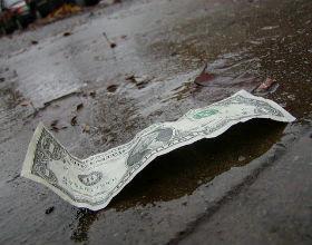 Dalszy wzrost zadłużenia USA osłabi dolara