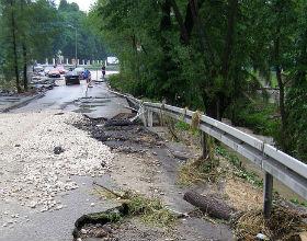 Fatalne drogi, to jedna z przyczyn rosnących stawek ubezpieczeniowych dla samorządów lokalnych. (CC BY-NC-ND magro_kr)