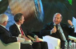 Sesja 'Kapitalizm po kryzysie' - od lewej Jerzy Hausner, Mike Kubena, Hernando de Soto, fot. OF