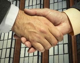 Do profesjonalnych firm pracodawcy zwracają się więc zwykle wówczas, gdy szukają bardzo rzadkich specjalistów lub doświadczonej kadry. (CC By-NC-SA My Tudut)