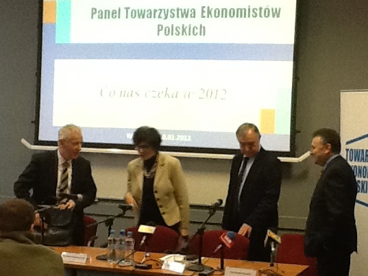 2012 rok bez reform, ale i bez bankructw