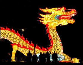 Daron Acemoglu i James Robinson twierdzą w wydanej kilka dni temu książce, że bez demokratyzacji Chiny nie utrzymają tempa wzrostu (CC By Rene Mensen)