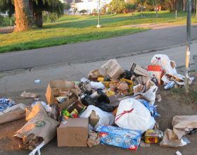 Gminom zabraknie na inwestycje, gdy dopłacą do śmieci