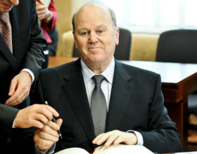Michael Noonan, minister finansów Irlandii (Fot. PAP)