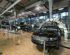 Fabryki samochodów trzeba zamknąć, bo nabywcy martwią się o pracę