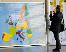Mapa wykonana z klocków lego (CC By European Parliament)