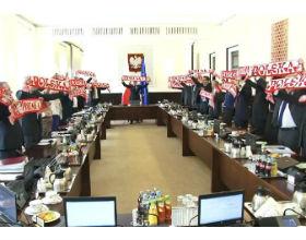 Zmiana polskiej piłki nożnej nie zacznie się na boisku, lecz od decyzji polityków fot. KPRM
