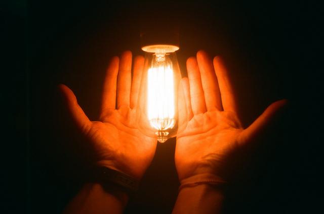 Ekorewolucja w energetyce potrzebna, ale słono zapłacą za nią konsumenci