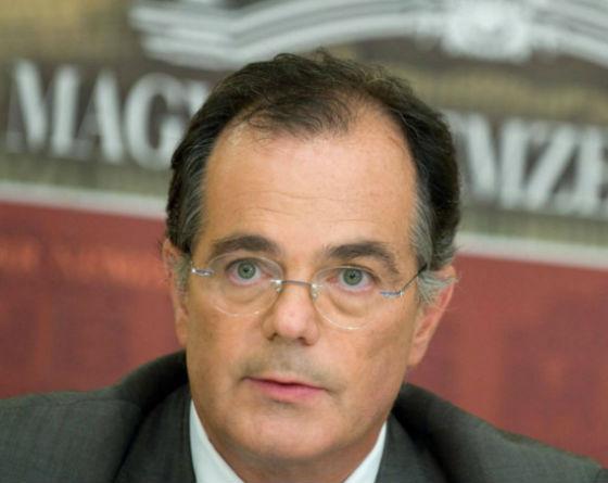 Premier Orban nie ustępuje, węgierski bank centralny mniej niezależny