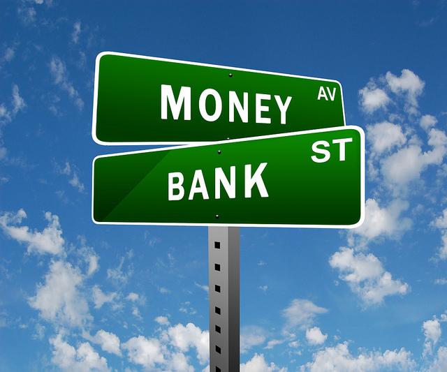 Banki zostały zmuszone do kreatywności. Niestety także do podwyżek opłat