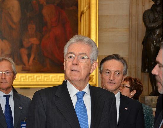Pęka bańka wiary w Mario Montiego