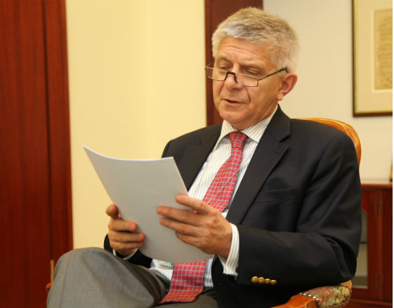 Belka: Wejście do strefy euro mogłoby pomóc rozwiązać niektóre problemy