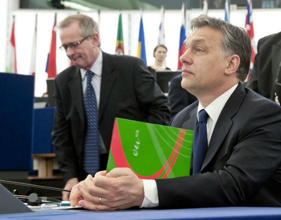 Premier Victor Orban umacnia swoją władzę