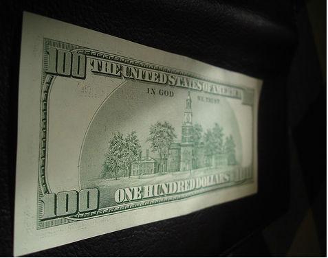 Dzięki łupkom dolar pozostanie walutowym królem
