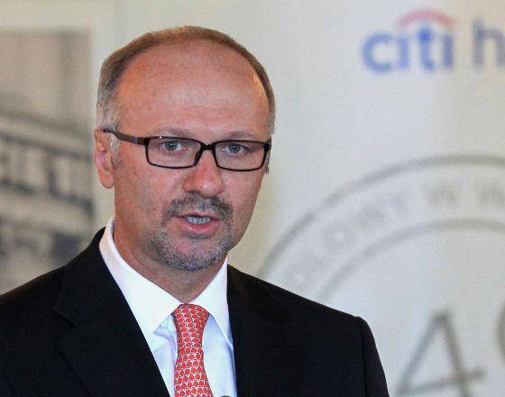 Niewiele banków w Polsce będzie stać na status banków uniwersalnych – ostrzega Sławomir Sikora, prezes Citi Handlowego. (Fot. PAP)