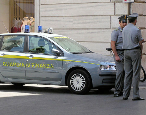Rządy państw europejskich walczą z szarą strefą kijem