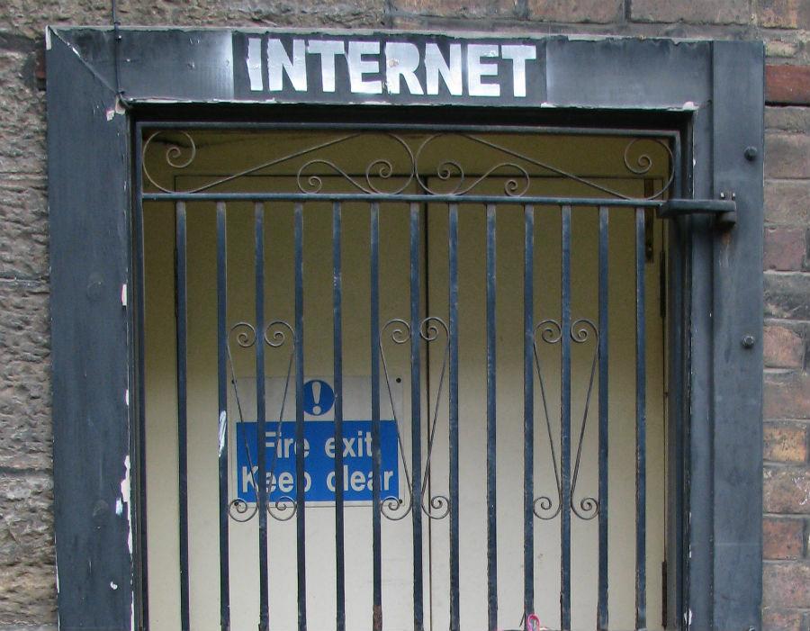Lepszy dostęp do Internetu silnie pobudza gospodarkę