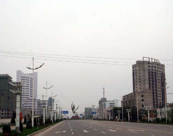 W Chinach powstają kolejne miasta, w których nikt nie chce mieszkać (CC By NC ND AdamCohn)