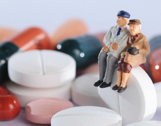 KRD: Obniżenie wieku emerytalnego może zwiększyć długi emerytów