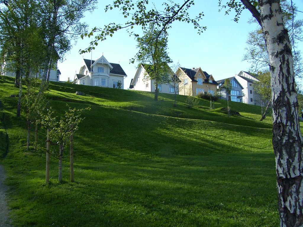 Ceny nieruchomości długo spadały, ale wkrótce o kredyt na mieszkanie czy dom będzie trudniej. (CC By dfbarrero)