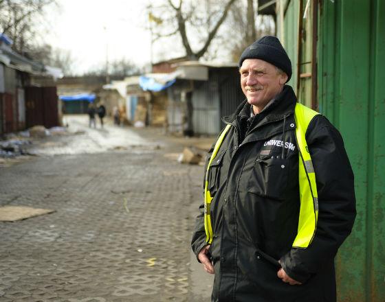 Pracownik ochrony – typowy polski samozatrudniony (CC BY-NC-SA Kuba Bożanowski)