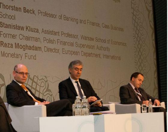 Od lewej:  Thorsten Beck, Reza Moghadam, Stanisław Kluza. Fot. nbp.pl