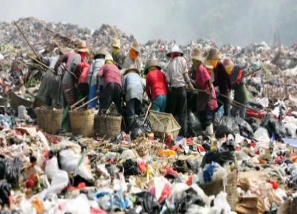 Wysypisko śmieci w Chinach (fot. Reuters)