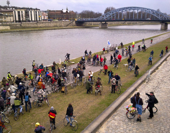 Masa Krytyczna - ruch miejski promujący komunikację rowerową (CC BY-NC Gosia Malochleb)