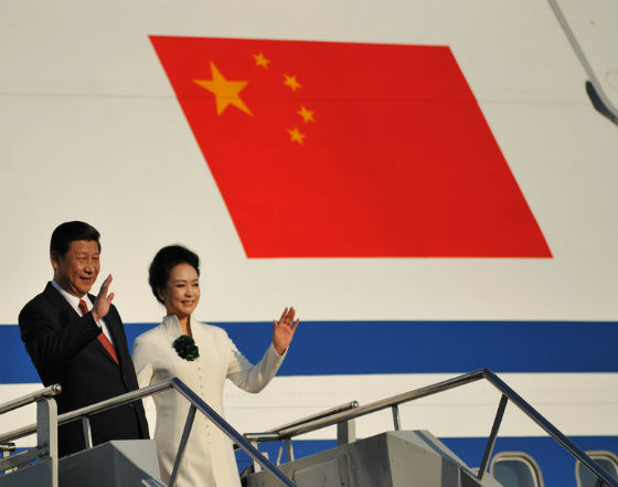 Xi Jinping, prezydent Chin, nie przestaje wizytować kolejnych krajów. Chiny systematycznie budują swój zasięg. (CC By APEC 2013)
