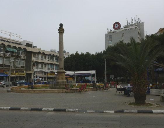 Nikozja - niegdyś ruchliwa, dzisiaj pusta (CC BY-SA Monika Kostera)