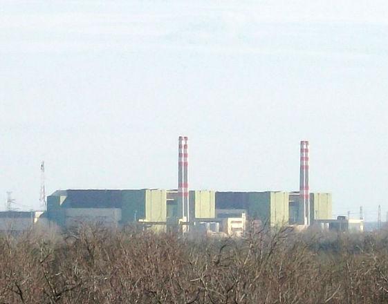 Elektrownia atomowa w Paks na Węgrzech (CC BY-SA Barna Rovács (Rovibroni))