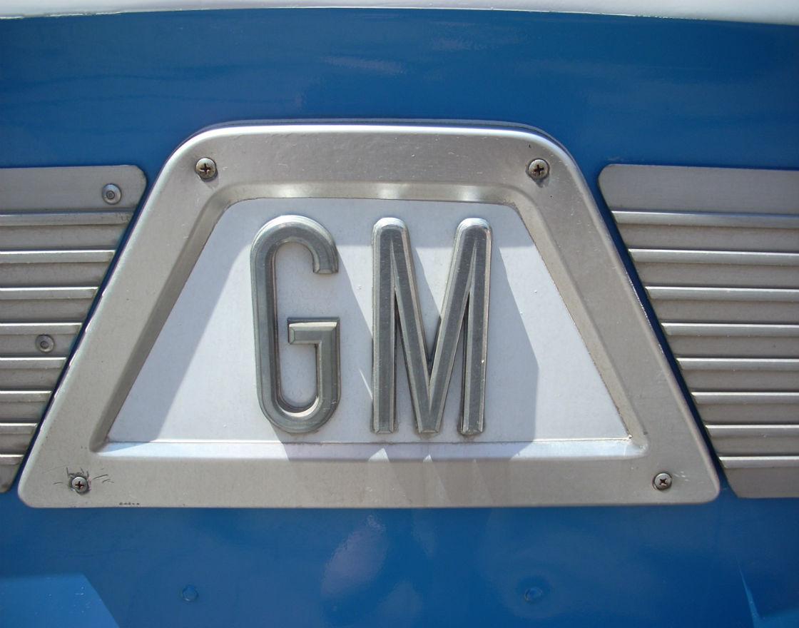 (CC By GM Bus logo)