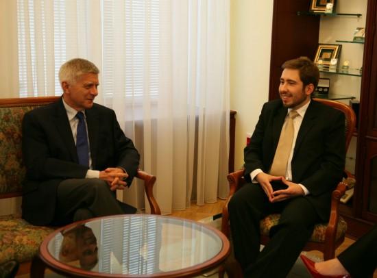Spotkanie Jana Barana, który wygrał w II edycji konkursu, z prezesem Markiem Belką