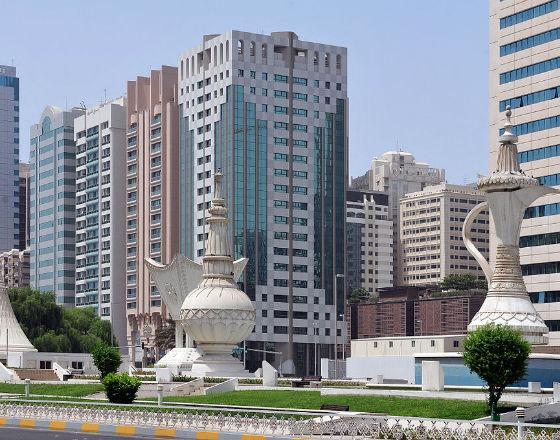 Abu Zabi, stolica Zjednoczonych Emiratów Arabskich (CC BY Ralf Roletschek)
