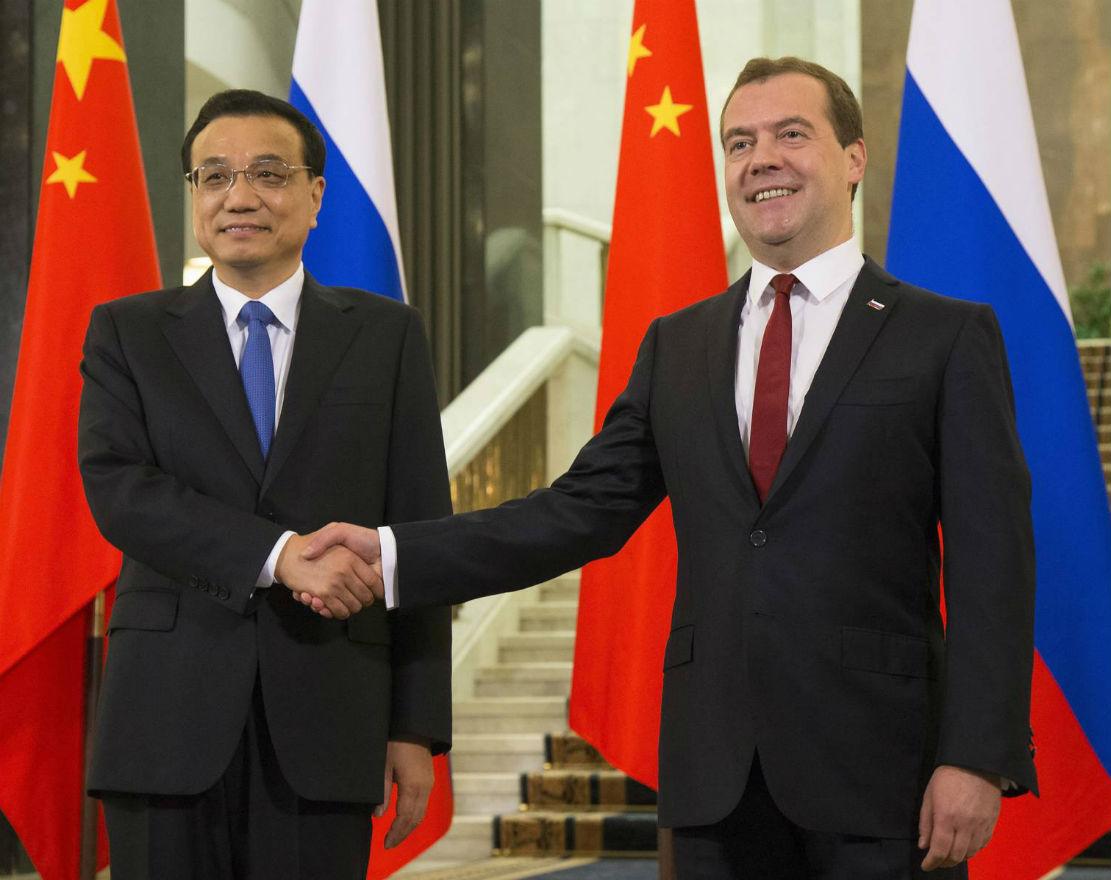 W relacjach z Chinami, to Rosji zależy bardziej