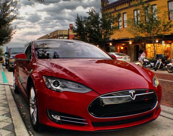 Tesla (CC BY-NC-ND Daniel Piraino)