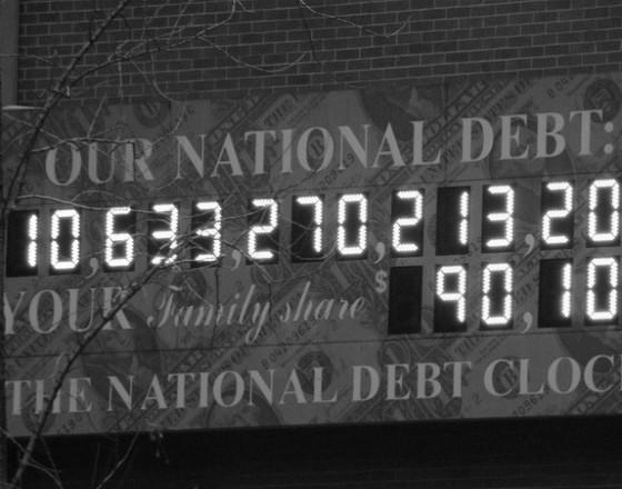 Góra długów dławi wzrost gospodarczy