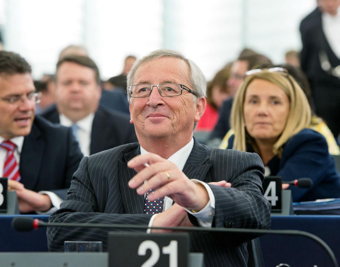 Komisja Europejska daje liberałom świeczkę, etatystom ogarek