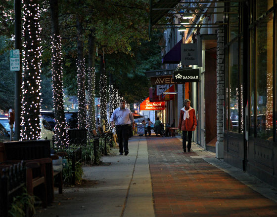 Bethesda, przemieście Waszyngtonu, jest jedną z najbogatszych dzielnic w USA, a mimo to jej mieszkańcy nie są zadowoleni (CC BY-NC-ND ephlen)