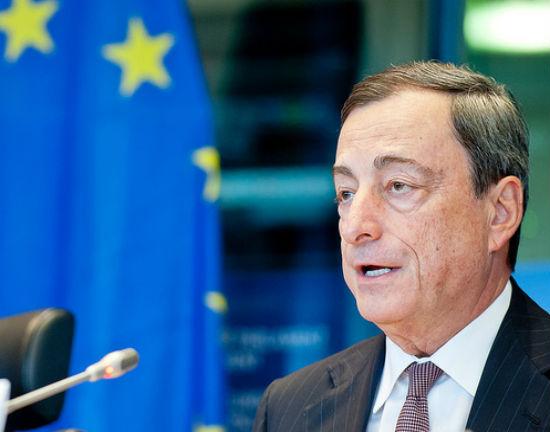 Strefa euro wychodzi na prostą