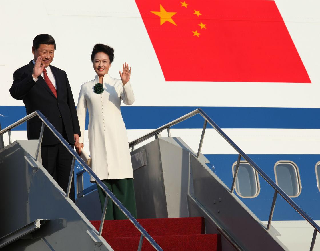 Przemianę ideologiczna w Chinach widać nawet po tym, że przywódcy partii zaczęła towarzyszyć żona. (CC By APEC 2013)