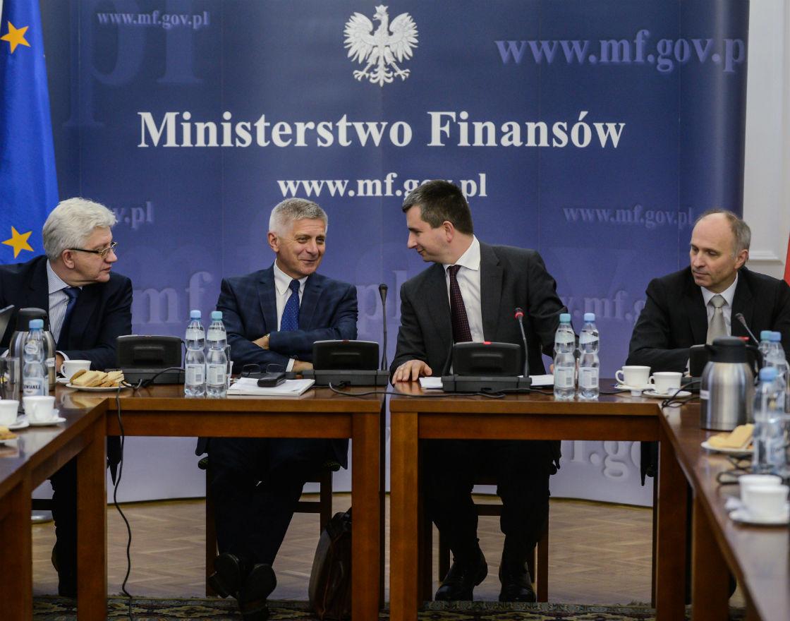 Szefowie (od lewej) Bankowego Funduszu Gwarancyjnego, NBP, Ministerstwa Finansów oraz Komisji Nadzoru Finansowego tworzą Komitet Stabilności Finansowej, którego zadania zostaną rozszerzone także o nadzór makroostrożnościowy. (Fot. PAP)