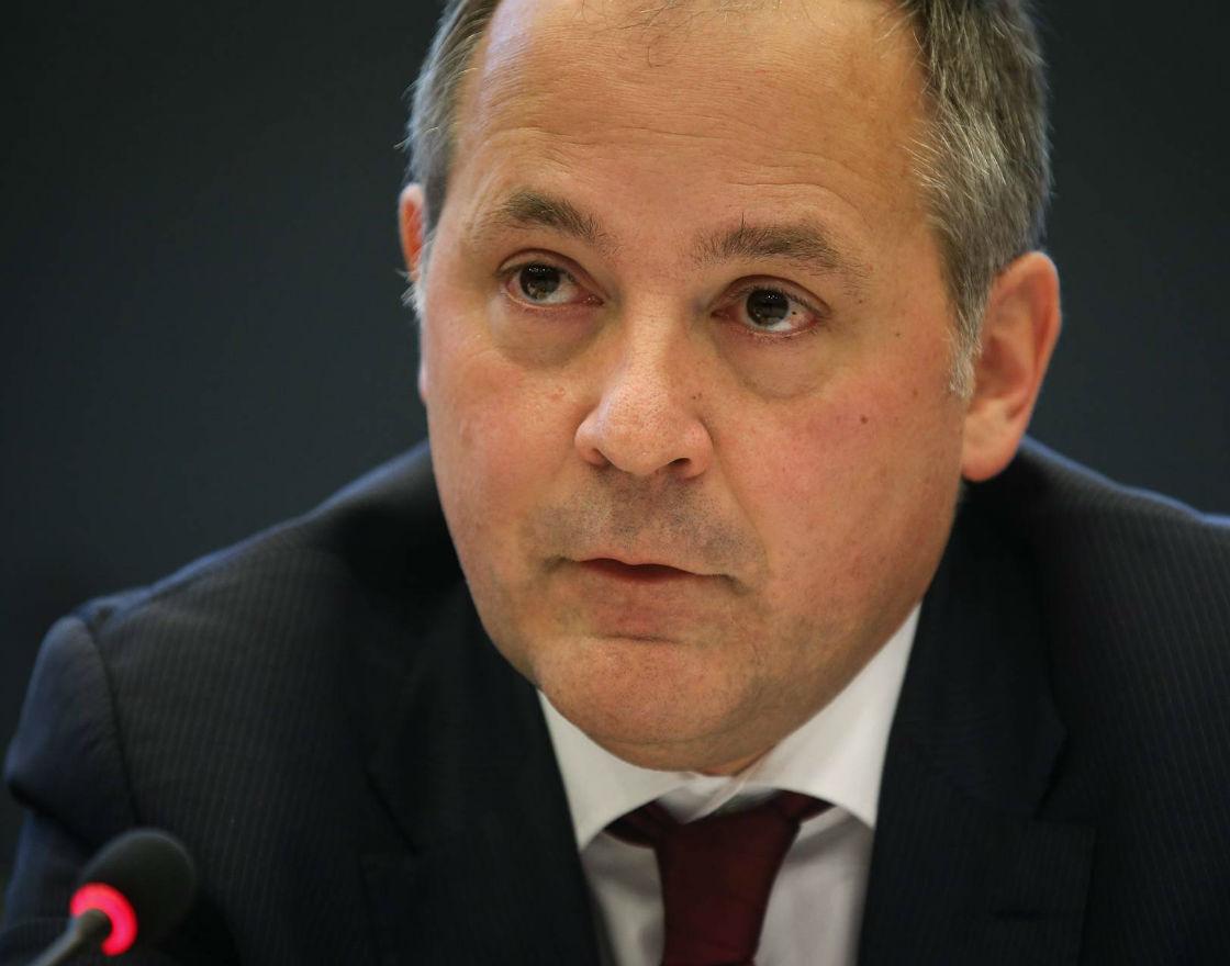 Benoit Cœuré, z zarządu EBC, który podzielił się nowinkami dotyczącymi programu skupu obligacji na zamkniętym spotkaniu. Jego uczestnicy mieli 12 godzin, aby wykorzystać tę wiedzę, wg własnego uznania. (Fot. PAP)