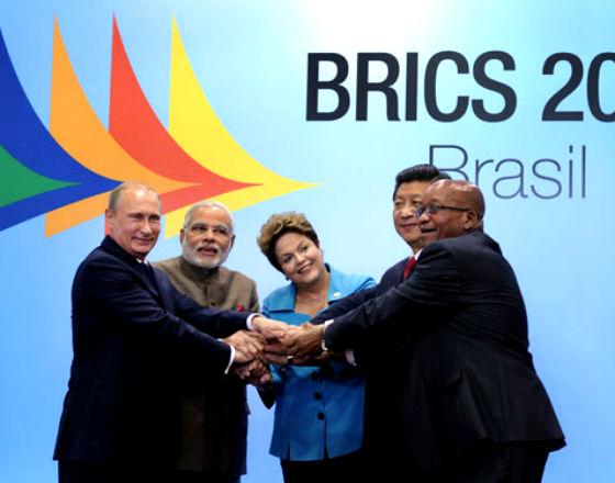 Głowy państw - strategicznych partnerów Chin: Rosji, Indii, Brazylii, RPA (w środku prezydent Chin Jinping; CC By ND GovernmentZA)