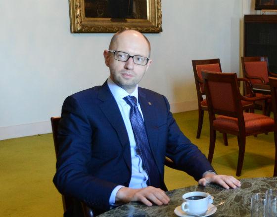 Ukraina spłaca długi, ale jest bliska bankructwa