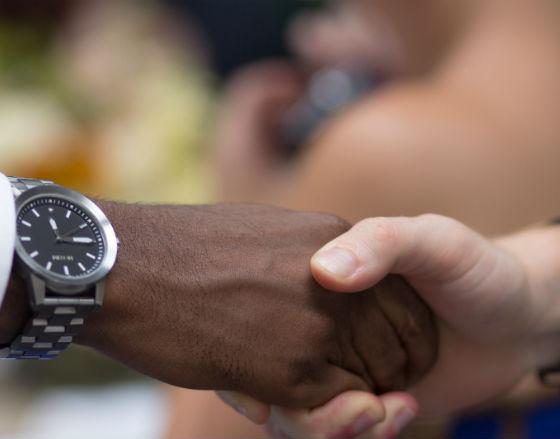 Migranci ułatwiają firmom nawiązywanie kontaktów w ich macierzystych krajach (CC BY-NC-ND aaron gilson)