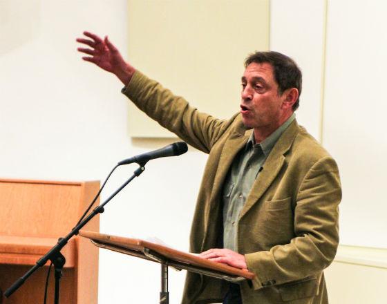 Prof. Guy Standing w czasie wykładu w Groningen (CC By NC ND Zeptonn)
